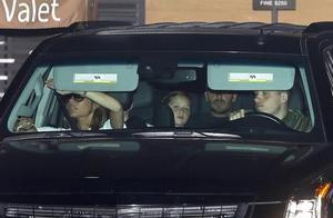 贝克汉姆一家6口同框出镜,从汽车座位,看家庭位置