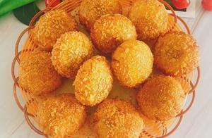 教你自制脆皮南瓜饼,营养丰富软糯香甜,家里也能做出饭店的味道