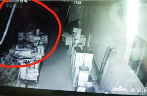 鄂尔多斯一烟花爆竹店老板遇到怪事,监控显示店里常有不明物飘来飘去……