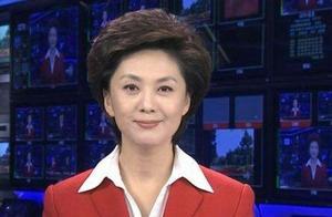 央视主持人海霞旧照罕见曝光,素颜出镜一头长发太美了
