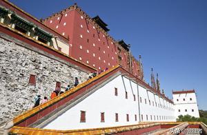 小布达拉宫,是大清初期前所未有的全国民族大团结的象征