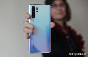 高端手机销量报告:华为首次超过苹果,份额达48%