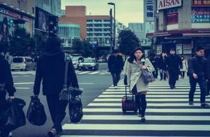日本究竟有多爱干净?看看日本的夜市摊上,干净到这种程度