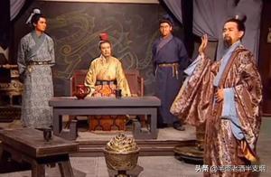 曹丕废刘协而篡汉,刘备除了称帝还有三条路可走,他该如何抉择?