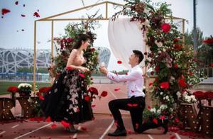 短跑名将张培萌求婚,跳远王子李金哲结婚,田径双喜临门
