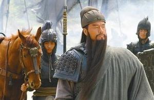 关羽腹背受敌,刘备为何见死不救?细思恐极,我们都忽略了一个人