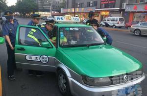 借来出租车接力骗游客 涉案金额40多万 诈骗犯罪团伙12人落网