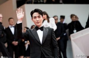 朱一龙现身戛纳红毯,成胡歌之后第二位中国男星,网友:阴盛阳衰