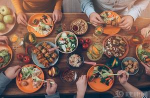 糖友不吃晚餐,能降血糖?一个月后,3个影响事与愿违