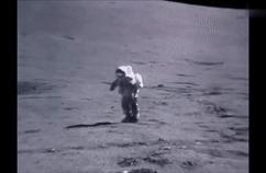 人类登月50周年,美国公布美国宇航员在低重力月球上跌跤录像