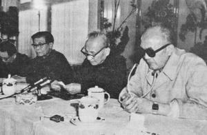 胡耀邦三请黄克诚遭拒,最后谁把他请出了山?