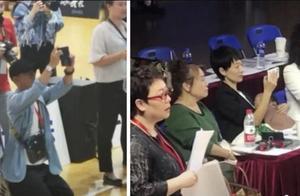 文章马伊琍陪女儿参加比赛,网友:比张丹峰低调多了!
