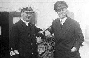 """一个""""海上幽灵"""",卢克纳尔伯爵,开着一艘""""普通帆船""""征战四海"""