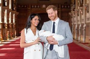 首度公开儿子大眼超萌正面照!哈里王子,你笑的也太开心了吧
