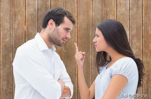 """""""老婆,能不能不在公开场合数落我""""""""不行,这是让你长记性"""""""
