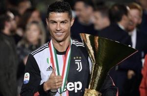 马卡报:今年C罗有望比梅西先捧回第6座金球奖