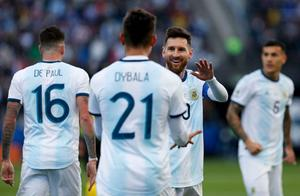 忍无可忍!梅西生涯第2次染红,赛后拒绝领奖+再度炮轰南美足协