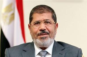 埃及前总统穆尔西在庭审时去世,埃及已宣布国家进入紧急状态