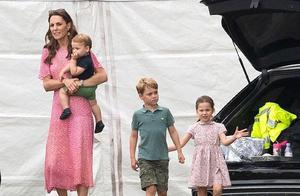 罕见抱娃同框,凯特法式粉色茶歇裙稳赢,梅根抱娃手法遭外媒抨击