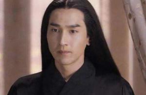 黄渤的卷发,赵又廷的中分黑长直,恐怕都不及汪峰的大妈头造型!