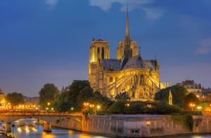 巴黎圣母院大火:人类艺术历史进程的悲痛|相逢幸福蛋糕