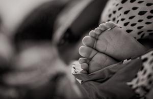小说:连生3胎女儿都被丈夫送到小诊所,无意得知孩子遭遇我当场崩溃
