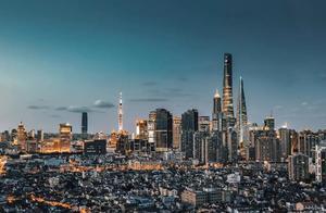 对比全球机构排名,我们发现中国城市综合排名应该是…