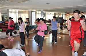「西安减肥训练营」陈飞宇最胖的时候225斤,胖纸都是潜力股