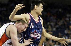 NBA不成文规定:赛前为何一定要用除臭剂,原因你懂得