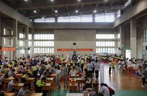 广西附外第五届科技创新节开幕式暨高中年级比赛活动纪实