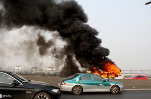 什么样的因素导致了汽车自燃??!