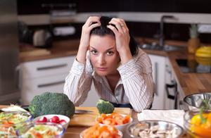 不吃晚饭减肥?体重确实会下降,但也会有3个影响