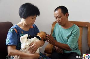13岁智障少女意外怀孕,在家生产孩子摔成脑损伤,其父母崩溃