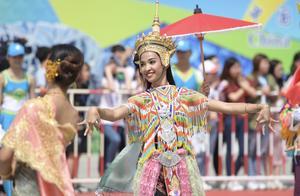 """亚洲文明巡游掀起观众大联欢:""""一起拍手的感觉真好"""""""