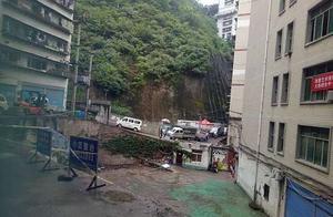 公共区域还是商业用地?,奉节县居民和酒店为一块空地起争议