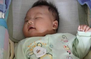 孩子睡前,让娃饿着也比吃这4种食物强,睡眠质量差还影响发育