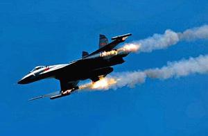 中国有了歼-11战斗机,为什么还要研制歼16,它们区别是什么