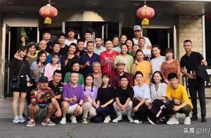 """62岁赵本山与57岁范伟再度合作,打破""""不和""""传闻"""