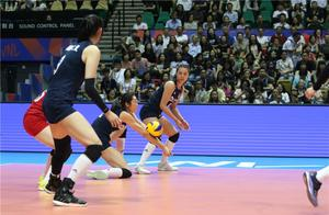 中国女排上演惊天大逆转!击败意大利队获世界联赛香港站冠军