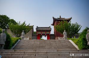 西霞口成山头,有国内唯一的始皇庙,这里也被誉为好望角