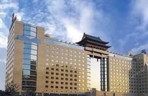 刘强东退任北京翠宫饭店经理 京东要干嘛?