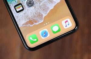 "iPhone XR二代360度渲染图曝光:""浴霸""加持 黑边感人"