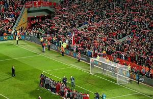利物浦逆转巴萨晋级欧冠决赛,小老板詹姆斯开心庆祝