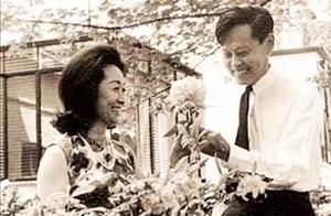 杨振宁的第一次婚姻也是师生恋,而且对方还是杜聿明的长女