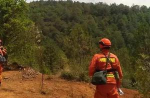 云南安宁小五岳村发生山火 已投入2000余人3架直升机扑救