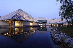 """上海也有一座贝聿铭的""""卢浮宫金字塔"""",就在浦东"""