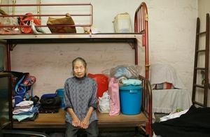 他用自己的一生,拍下香港最真实的一面,看过的人都哭了
