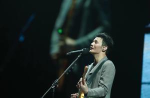 李荣浩北京开唱,幽默表示不唱《李白》唱《李逵》