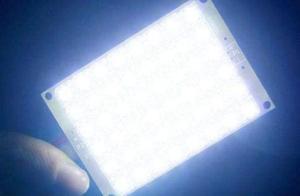 """新研究:LED灯会使人""""光中毒"""" 严重恐导致失明"""
