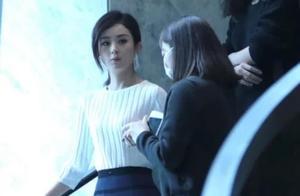 赵丽颖一改往常穿衣风格,甜美风也能很酷,简直就是美炸了!